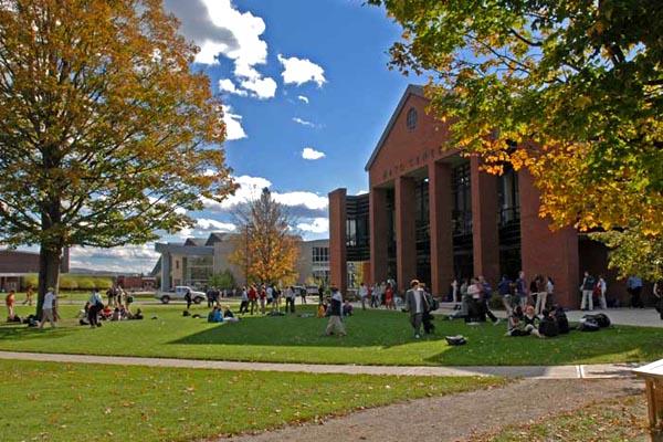 Vermont - Học Viện Nội Trú St. Johnsbury Academy - USA