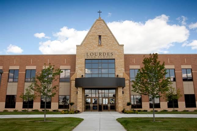 Minnesota - Trường Trung Học Lourdes High School - USA