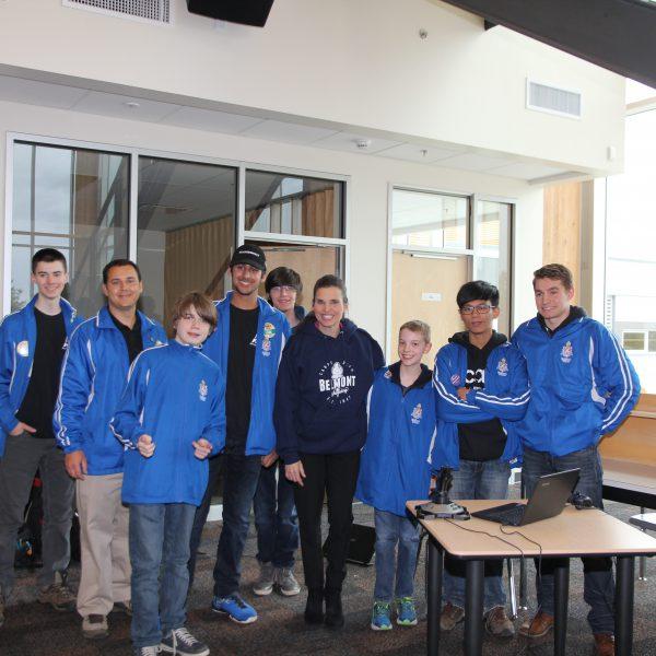 Trường Trung Học Belmont Secondary School – Victoria, British Columbia, Canada