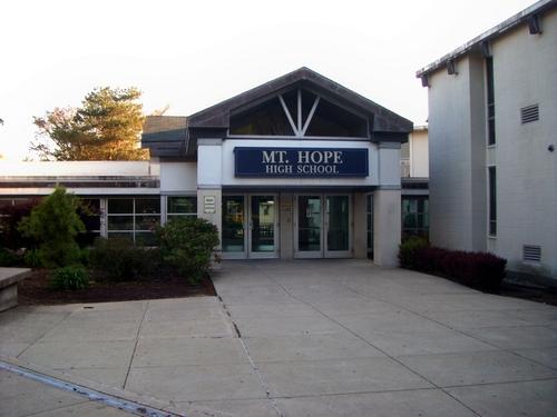 Trường Trung Học Công Lập Mt. Hope District - Rhode Island - USA