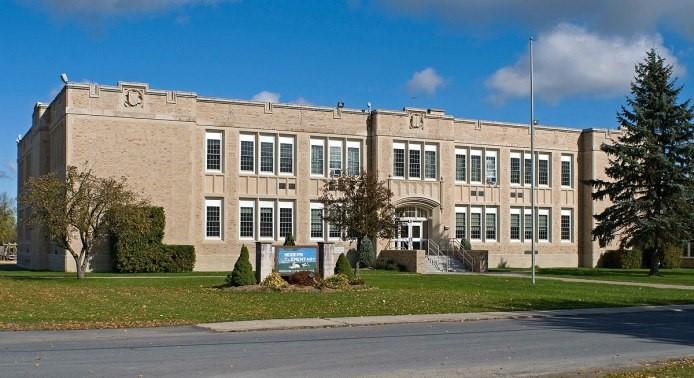 Trường Trung Học Công Lập Northeastern Clinton Central School District - New York, USA
