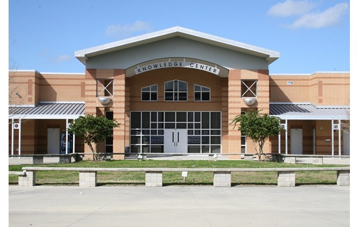 Massachusetts - Trường Trung Học Ngoại Trú  Pope Francis High School - USA
