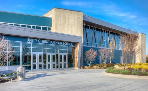 Trường Trung Học Ngoại Trú Unity Christian High School - Iowa, USA