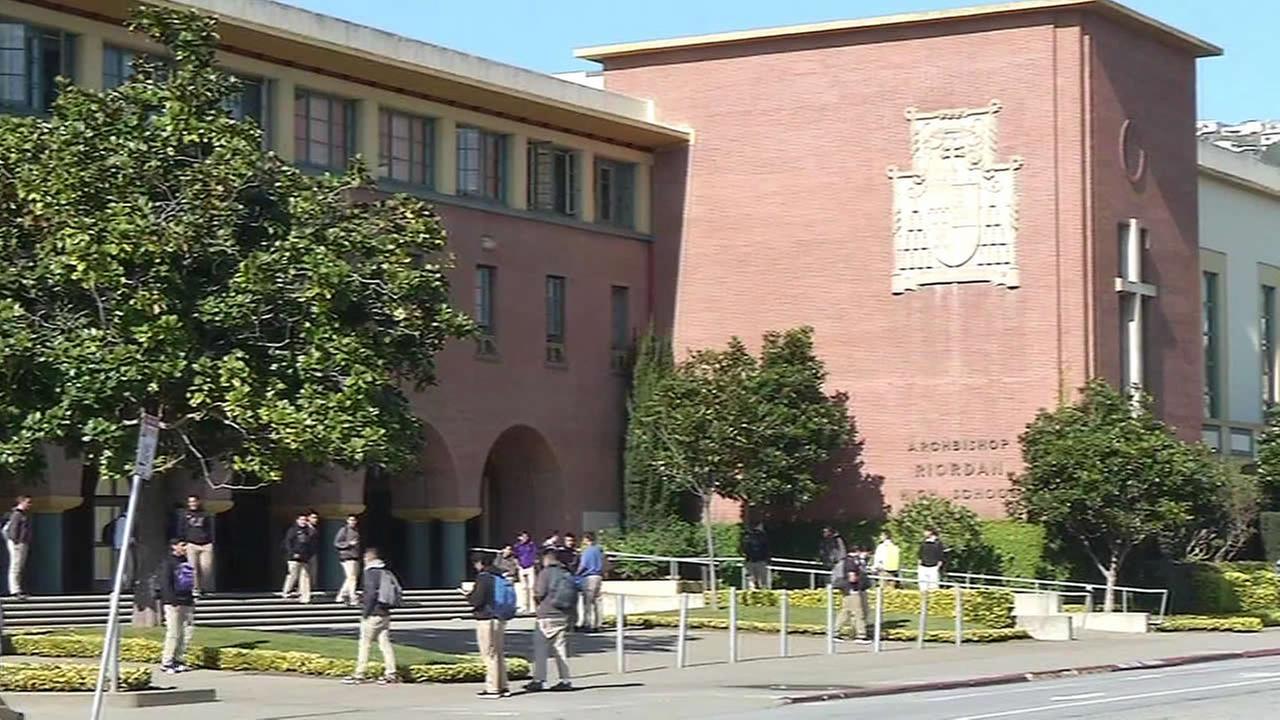 Trường Trung Học Nội Trú Archbishop Riordan High School - California, USA