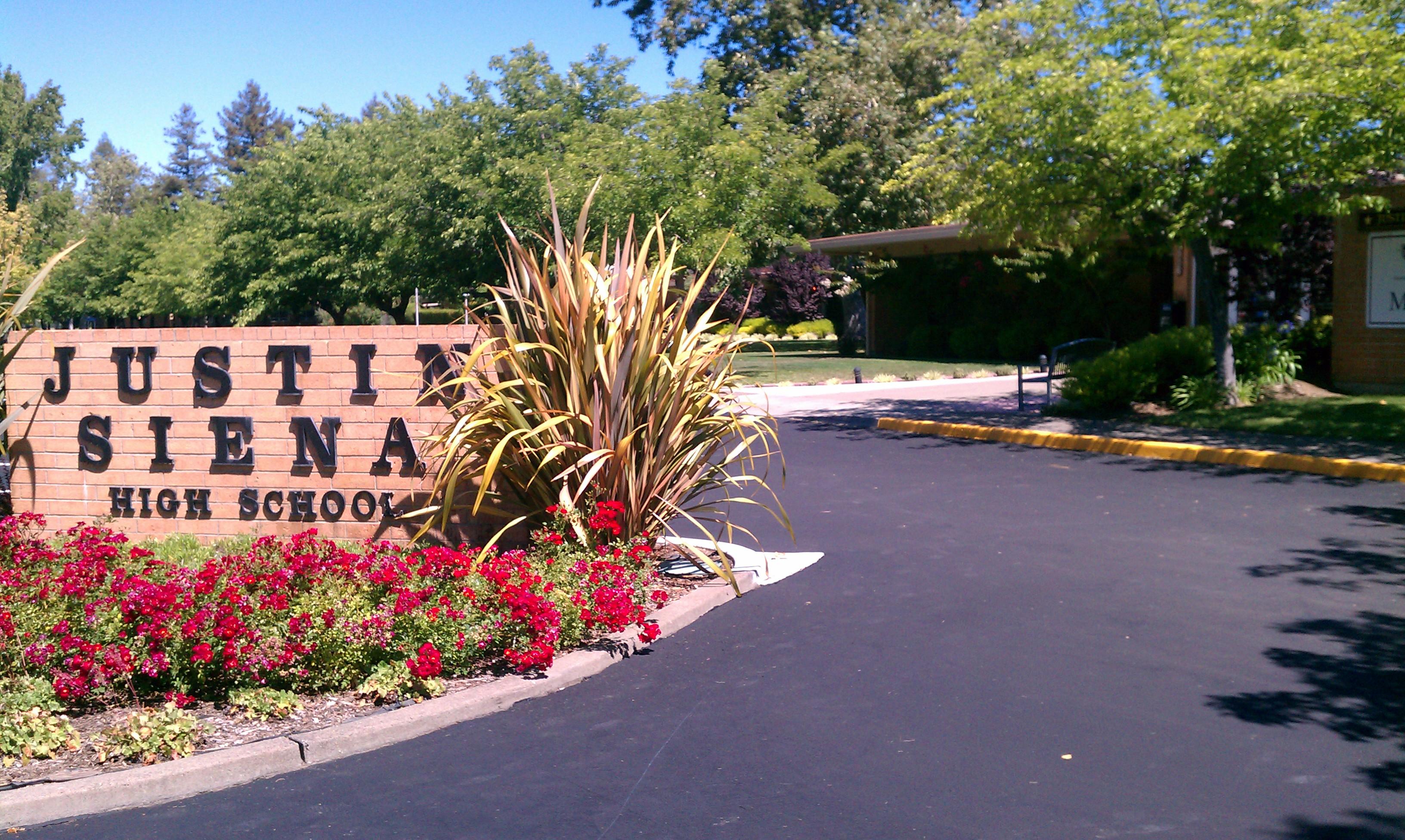 Trường Trung Học Nội Trú Justin Siena Boarding High School - California, USA