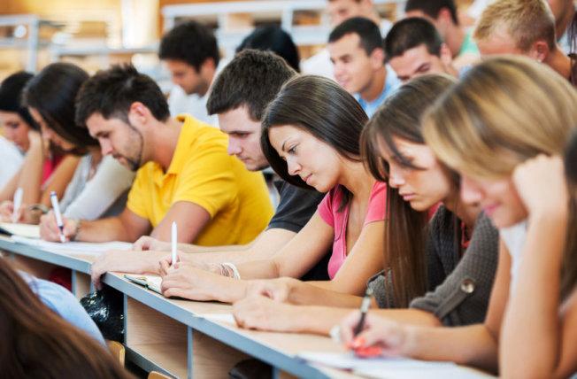 Úc yêu cầu tiếng Anh khắt khe hơn với sinh viên quốc tế từ 2018