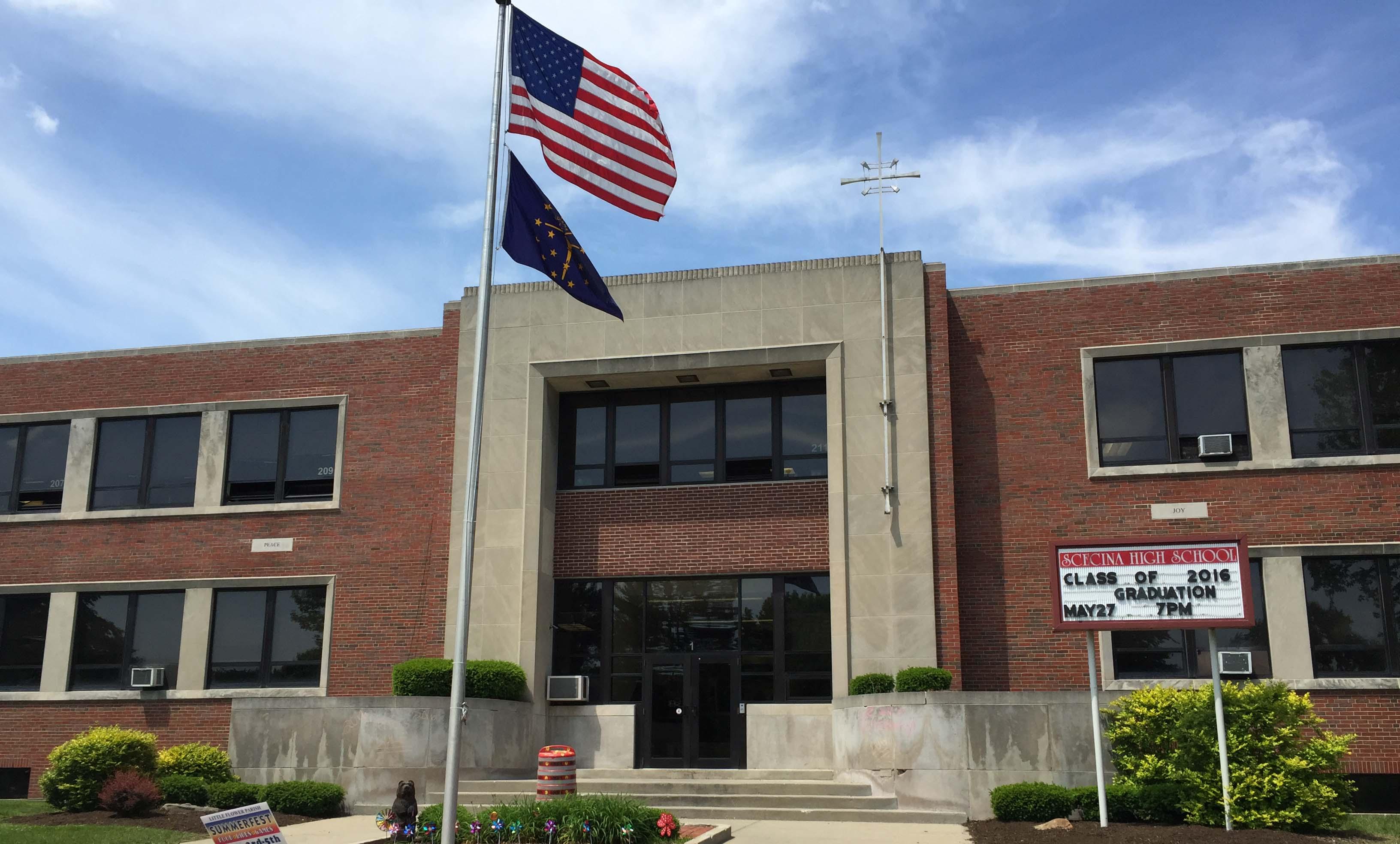 Học Bổng Trường Trung Học Scecina Memorial High School - Indiana, USA