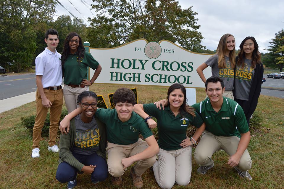 Connecticut - Trường Trung Học Holy Cross High School - USA