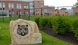 Hệ Thống Trường Trung Học Công Lập Newton Public Schools- Massachusetts, USA