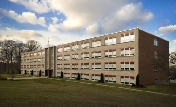 Pennsylvania - Trường Trung Học Ngoại Trú Bishop McDevitt High School - USA