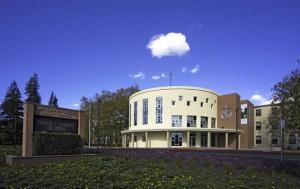 California - Trường Trung Học Ngoại Trú Moreau Catholic High School - USA