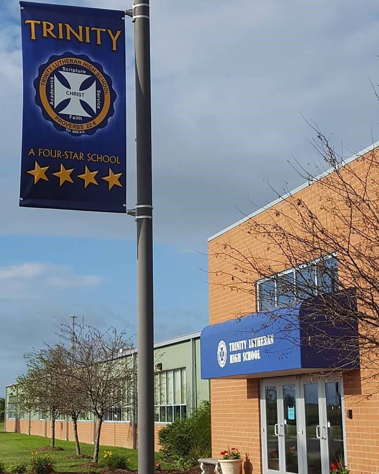 Indiana - Trường Trung Học Ngoại Trú Trinity Lutheran High School - USA