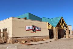 Trường Trung Học Nội Trú Word Of Life Traditional High School District - Kansas - USA